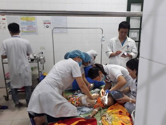 Cháu N. được các bác sĩ tận tình cứu chữa nhưng đã không qua khỏi