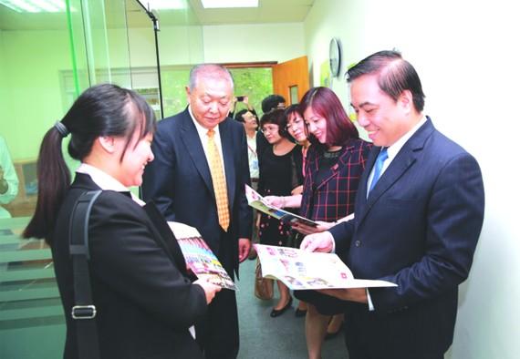 本市與日本企業家互相交流。