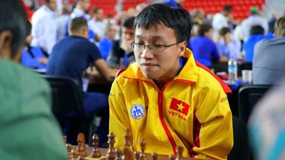 越南棋手阮玉長山參加比賽。