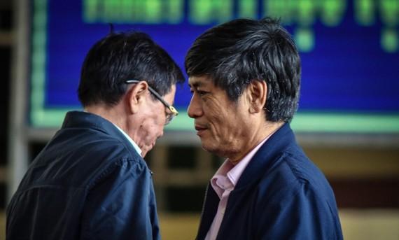 兩名包庇賭博團夥公安幹部入獄 19 年