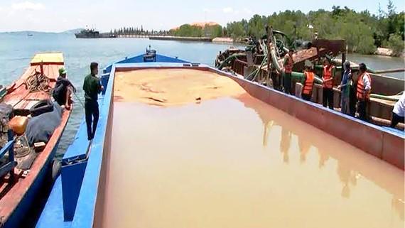TPHCM sẽ siết chặt hơn việc khai thác cát trái phép