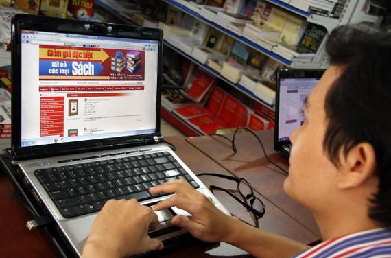 Từng được kỳ vọng đem lại làn gió mới cho thị trường xuất bản, nhưng sách điện tử giờ đang phải chật vật tồn tại. Ảnh: XUÂN ANH