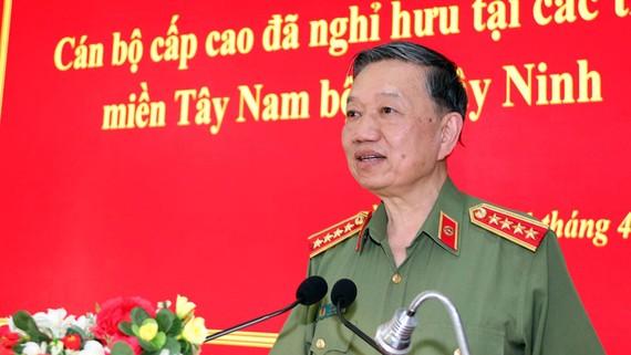 Bộ trưởng Tô Lâm phát biểu ý kiến tại buổi gặp mặt