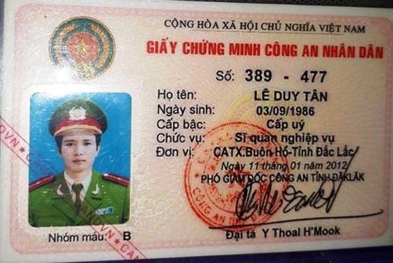 Thượng úy Tân đã dùng Giấy chứng minh Công an nhân dân của mình để cầm cố vay tiền
