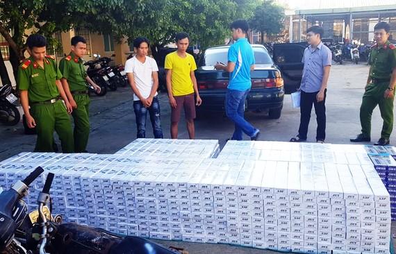 Cơ quan CSĐT Công an huyện Tây Sơn đang tạm giữ lô thuốc lá lậu để tiếp tục điều tra, làm rõ