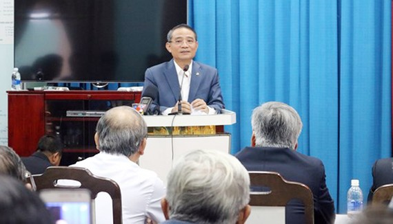 Bí thư Thành ủy  Đà Nẵng Trương Quảng Nghĩa phát biểu tại buổi gặp mặt