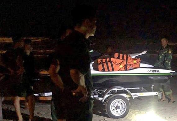 Lực lượng chức năng nỗ lực tìm kiếm 2 học sinh mất tích