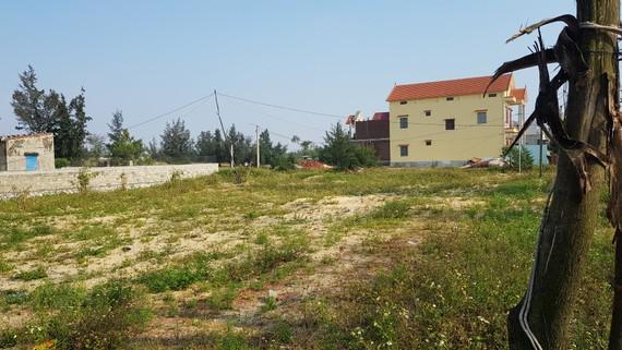 Phòng TNMT Đồng Hới có ý kiến xem cái ống cống mà hồ sơ đất của dân bị giam hơn 3 năm không giải thích, không xin lỗi