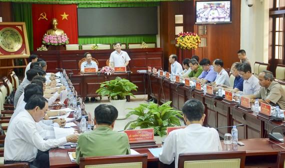 Đoàn công tác số 6 của Ban Chỉ đạo Trung ương về phòng, chống tham nhũng làm việc tại Sóc Trăng. Ảnh: HÀM LUÔNG