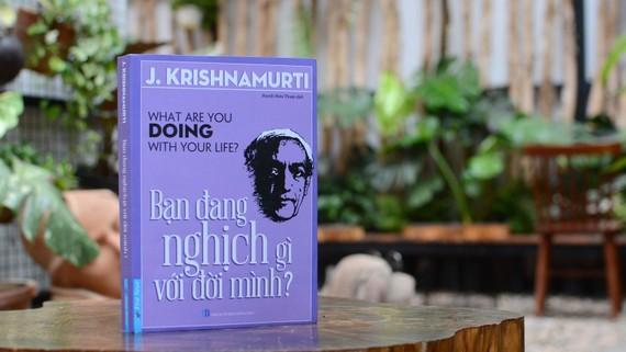 Bìa sách Bạn đang nghịch gì với đời mình?
