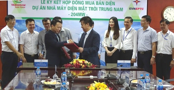 Công ty Mua bán điện ký kết mua điện mặt trời của Trung Nam Group