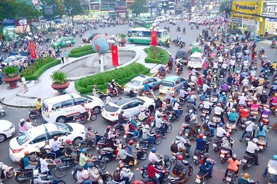 Kiến nghị giao vòng xoay Lăng Cha Cả cho quận Tân Bình quản lý duy tu