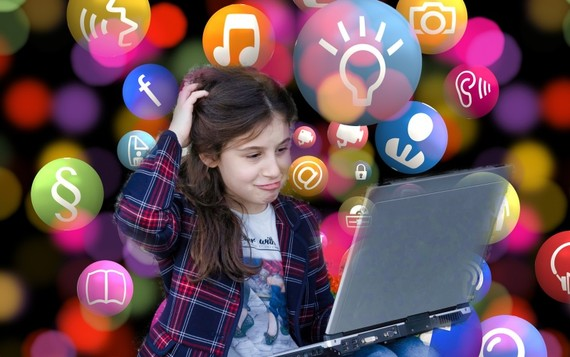 Phụ huynh cần giải pháp tốt khi con em online
