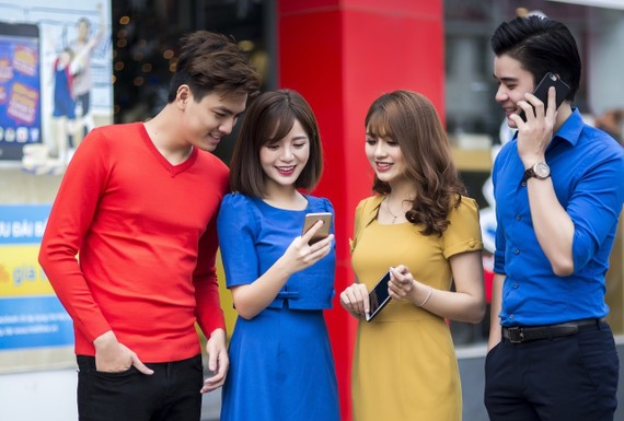 Người dùng 4G MobiFone tại Hà Nội