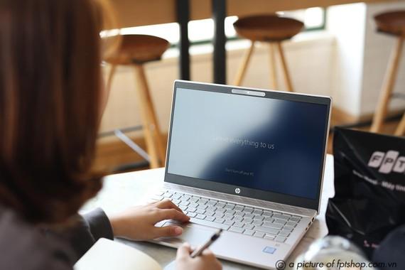 Giảm đến 28% khi mua laptop, Macbook tại FPT Shop dành cho tân sinh viên
