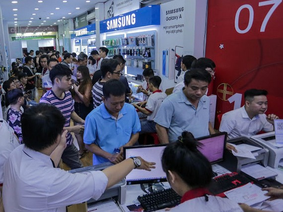 Di Động Việt mở bán, trả hàng đặt trước Note 10, Note 10 plus