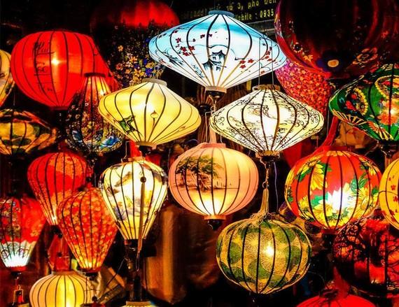 3.000 đèn lồng thắp sáng đón chào năm mới 2019