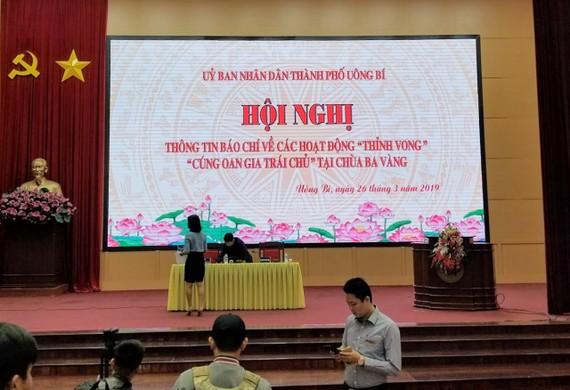 """Sáng nay 26-3, tổ chức họp báo về hoạt động """"thỉnh vong"""", """"cúng oan gia trái chủ"""" tại chùa Ba Vàng"""