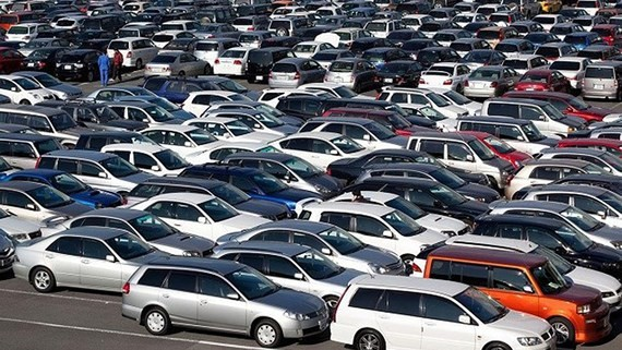 Import tunover of cars hits $2.4 billion in the first four months of this year. (Photo: SGGP)
