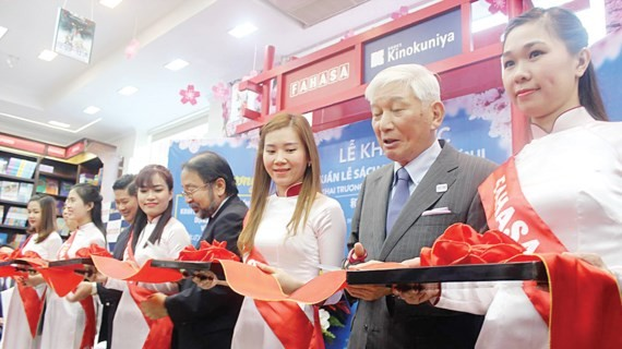 At the opening ceremony of the exhibition (Photo: Sggp)