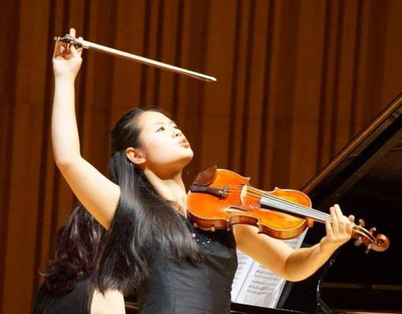 Young talented violinist presents solo concert