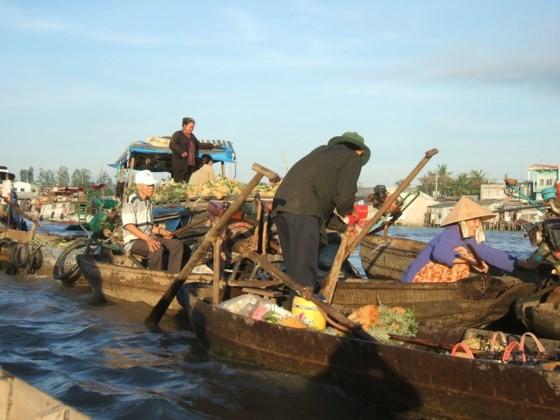 Cai Rang Floating Market Festival 2017 opens