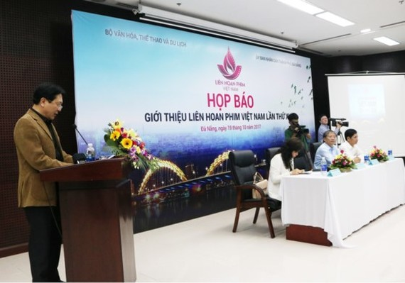 Deputy Minister of Culture, Sports and Tourism, Mr. Vuong Duy Bien speaks at the press conference of the film festival in Da Nang.