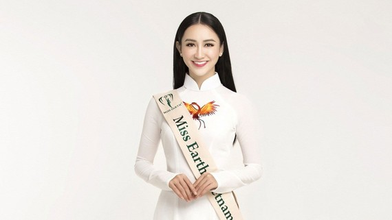 Ha Thu wins five medals at Miss Earth 2017