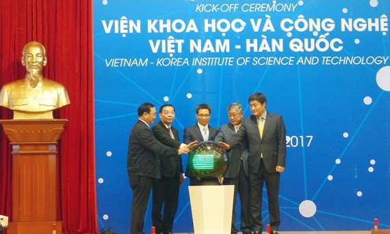 Construction of Vietnam - Korea Institiute of Science and Technology is kicked off in Hanoi. (Photo: Sggp)