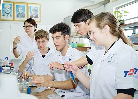 Foreign students study in Ton Duc Thang University, Ho Chi Minh City. (Photo: Sggp)