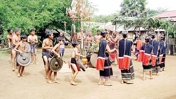 The rain praying ritual of S'tieng ethnic group