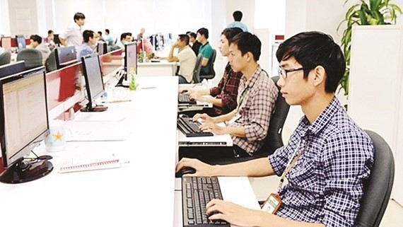 The city has developed a new policy and higher salary levels to attract more experts and scientists to work for the local government. (Photo: sggp.org.vn)