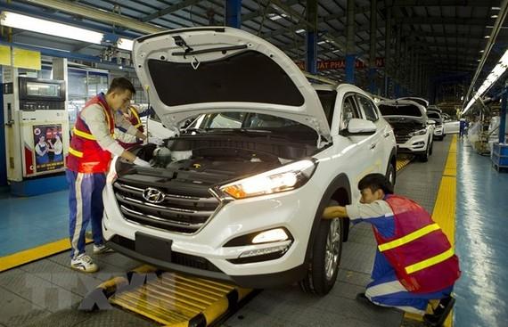 Automobile production in Hyundai Thanh Cong factory (Photo: VNA)