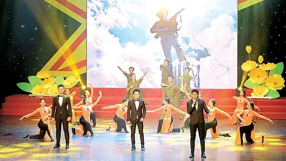 The art performance marks the 71st Vietnam War Invalids and Martyrs Day (July 27) .  (Photo: Sggp)