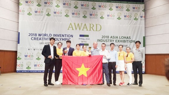 Vietnamese students get high achievement at WICO 2018