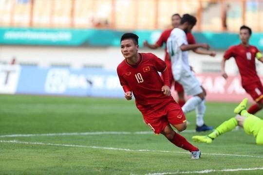 Midfielder Nguyen Quang Hai opens the score for Vietnam (Photo: VNA)
