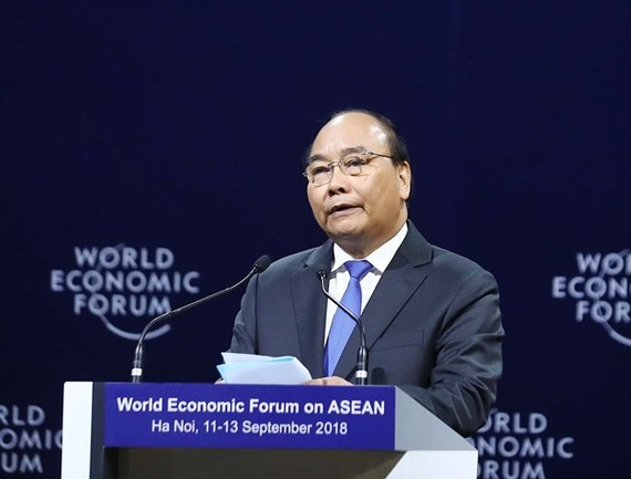 Prime Minister Nguyen Xuan Phuc speaks at the opening plenary session of the WEF ASEAN 2018 in Hanoi on September 12 (Photo: VNA)