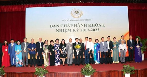Members of the executive committee of the Vietnam Cuisine Culture Association (Photo: VNA)