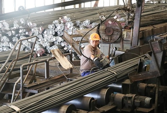 Steel production at Thai Nguyen Iron and Steel Corporation. (Photo: VNA)
