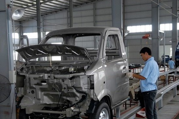 An auto assembly line at the Dong Ban Vietnam Auto JSC. (Source: VNA)