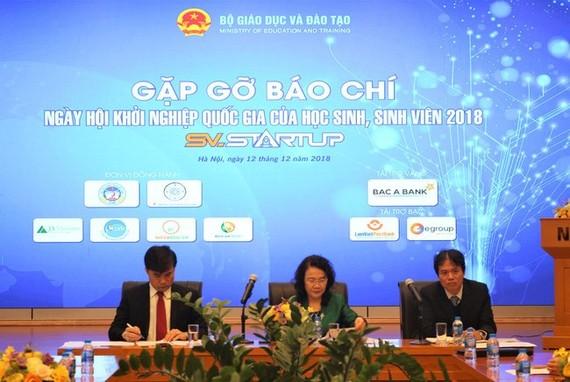 The National Student Entrepreneurship Festival 2018 will take place in Hanoi on December 16, said the press conference (Source: vtv.vn)