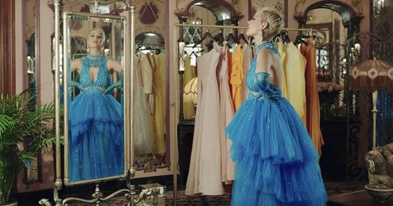 "Katy Perry wears a new dress by Nguyen Cong Tri in her MV ""Immoral Flame""."