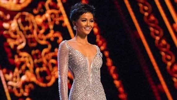 H'hen Nie, the Vietnamese representative at Miss Universe 2018