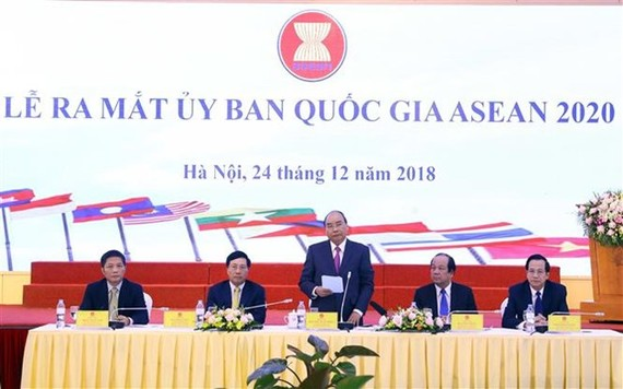 Prime Minister Nguyen Xuan Phuc speaks at the launch ceremony (Photo: VNA)