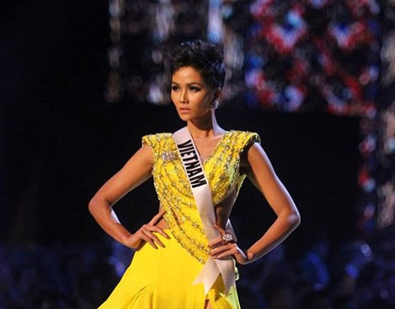 Miss Vietnam wins Timeless Beauty for the first time