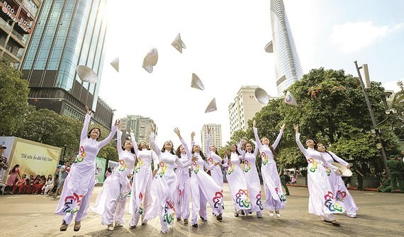 Contestants of the Charming Ao Dai Contest