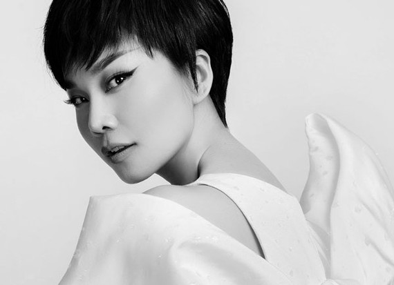 Leading model Thanh Hang chosen as the face of Cong Tri's fashion poster