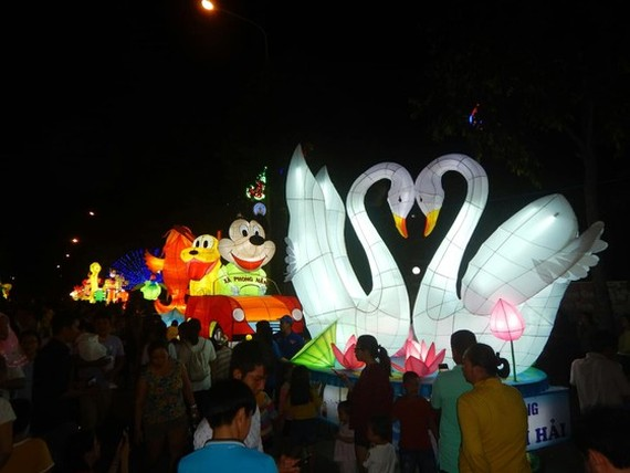 Country's biggest Mid-Autumn Festival in Phan Thiet city