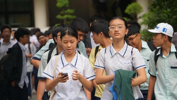 Thí sinh tham dự kỳ thi tuyển sinh vào lớp 10 Trường Phổ thông năng khiếu (ĐHQG TPHCM) năm học 2019-2020