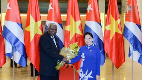 Vietnamese National Assembly Speaker Nguyen Thi Kim Ngan and Cuban NA Chairman Esteban Lazo Hernandez (Photo: Dinh Nam)